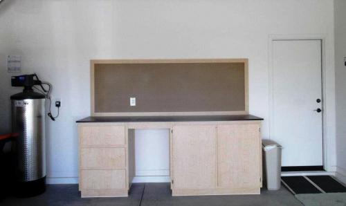 Reliable-Garage-Cabinets-banner 4