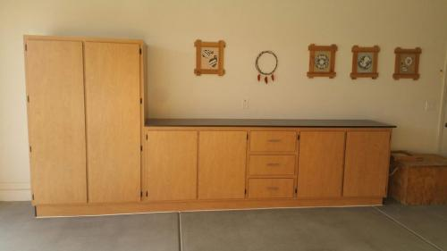 reliable-garage-cabinets-build-install